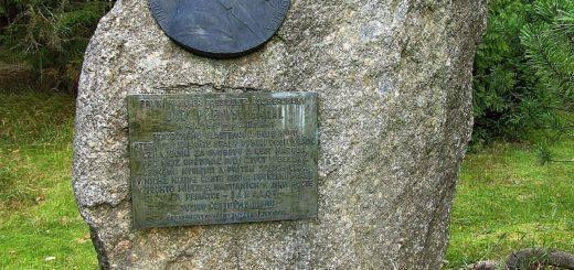 Podoba Šámalova pomníku po obnově v roce 1990